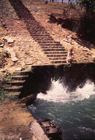 India Themes: Irrigation 1: Ancient Methods picture 15