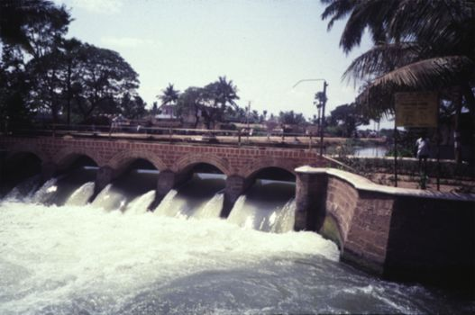 India Themes: Irrigation  2: British Efforts in the South picture 4
