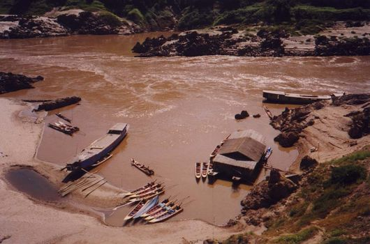 Laos: Mekong Below Houayxay picture 11