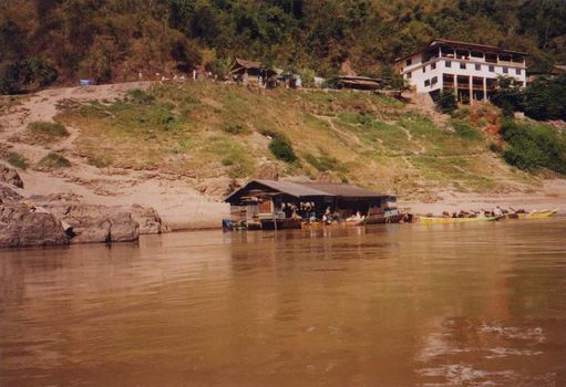 Laos: Mekong Below Houayxay picture 12