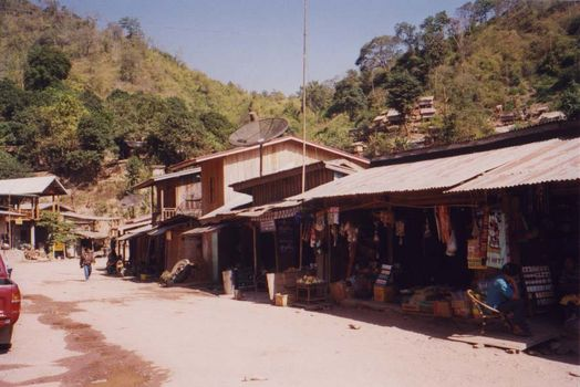 Laos: Mekong Below Houayxay picture 13