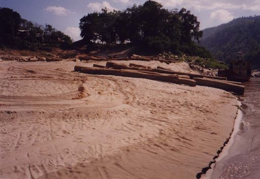 Laos: Mekong Below Houayxay picture 14