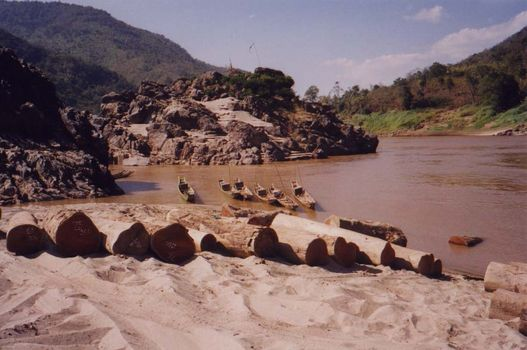 Laos: Mekong Below Houayxay picture 16