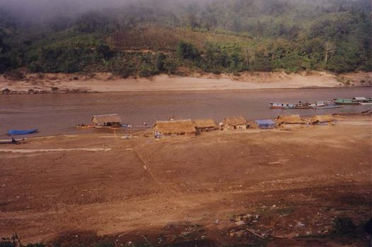 Laos: Mekong Below Houayxay picture 7