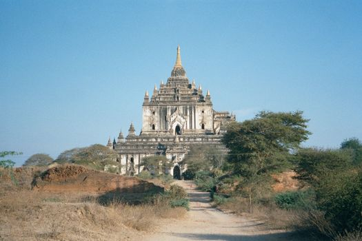 Burma / Myanmar: Pagan 2: More Monuments picture 2