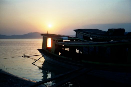 Burma / Myanmar: The Irrawaddy picture 10