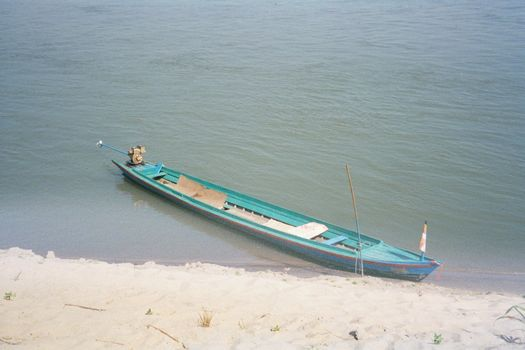 Burma / Myanmar: The Irrawaddy picture 7