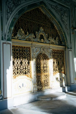 Turkey (Istanbul): Topkapi and Dolmabahce