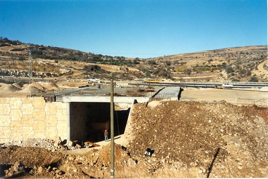 The West Bank: Separating Peoples picture 4