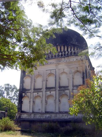 Peninsular India: Hyderabad: Qutb Shahi Tombs picture 4