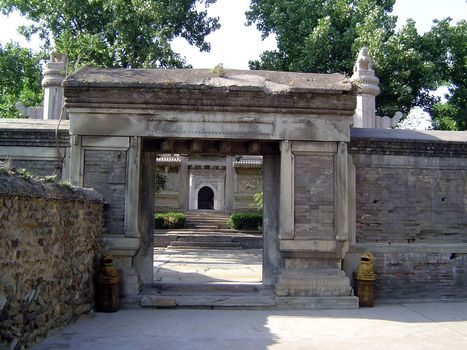 China: Beijing: Eunuch Tombs picture 3