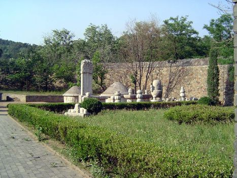 China: Beijing: Eunuch Tombs picture 12