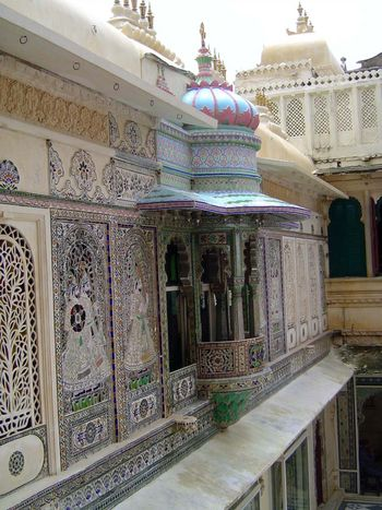 Peninsular India: Udaipur City Palace and Bagore ki Haveli picture 13