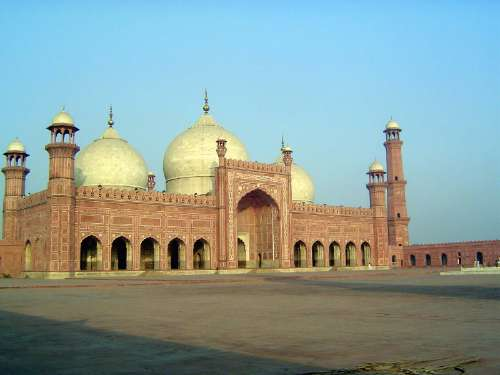 Pakistan: Lahore: Bad Shahi Mosque picture 21