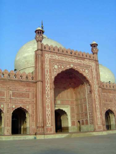 Pakistan: Lahore: Bad Shahi Mosque picture 9