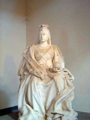 Northern India: The Lucknow Museum's Display of Imperial Statuary picture 2