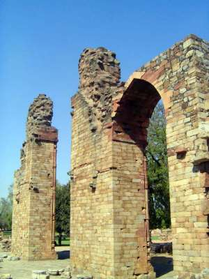 Northern India: Qutb Minar picture 4