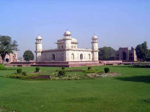 Northern India: Tomb of Itimad-ud-Daulah