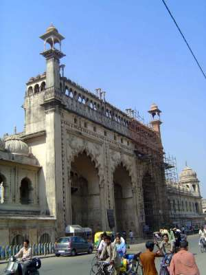 Northern India: Lucknow of the Nawabs picture 3