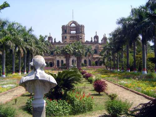 Northern India: Lucknow: La Martiniére and Christ Church picture 1