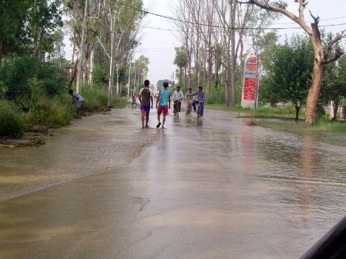 Northern India: Monsoon Hazards picture 12