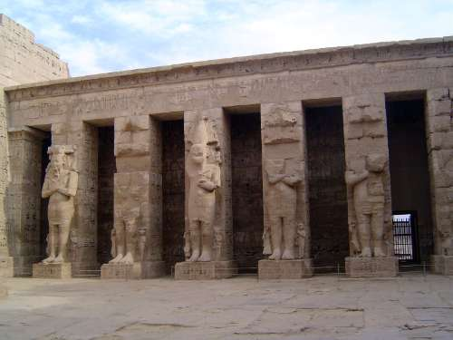 Egypt: Medinet Habu picture 19