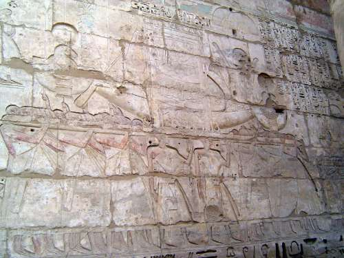 Egypt: Medinet Habu picture 35