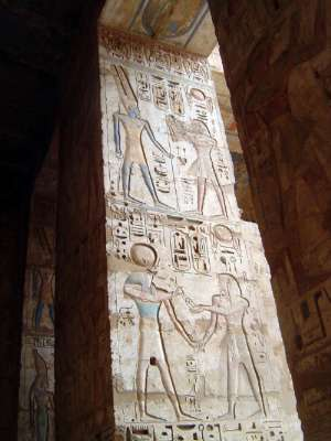 Egypt: Medinet Habu picture 39