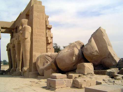 Egypt: Ramesseum picture 4