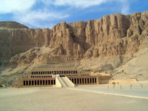 Egypt: Temple of Queen Hatshepsut picture 1