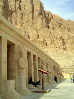 Egypt: Temple of Queen Hatshepsut picture 4