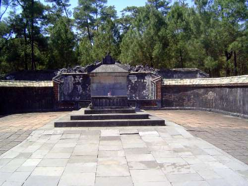 Vietnam: Hue: Royal Tombs picture 10