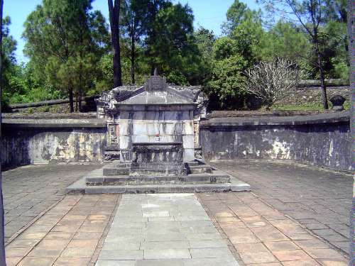 Vietnam: Hue: Royal Tombs picture 13
