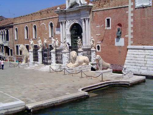 Italy: Venice: History on the Fly picture 5