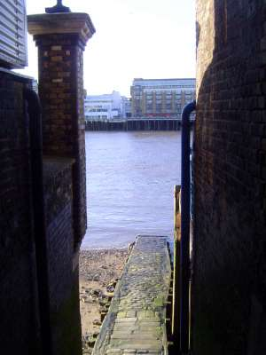 The United Kingdom: London 1: Older Docks picture 9