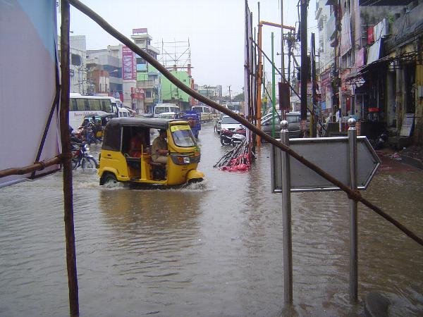 Peninsular India: Monsoon in Kanchipuram picture 5